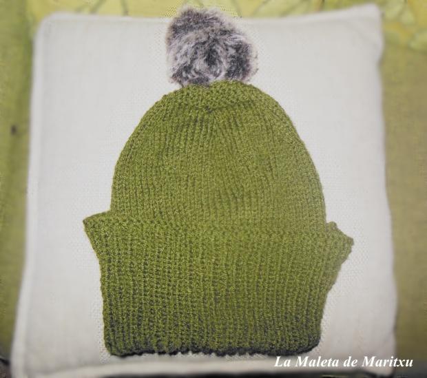 Gorro de lana+ pompón de pelo